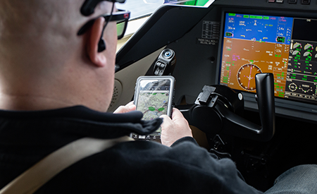 moving maps on an tablet in a Bombardier Challenger